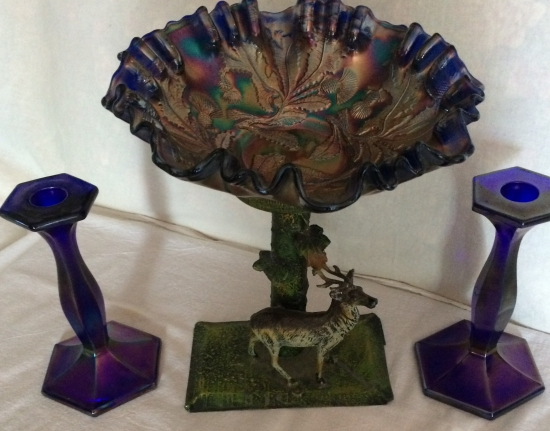 carnival-stretch-glass-elk-pedestal-with-a-thistle-bowl